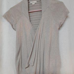 Short sleeve thin sweater material shirt